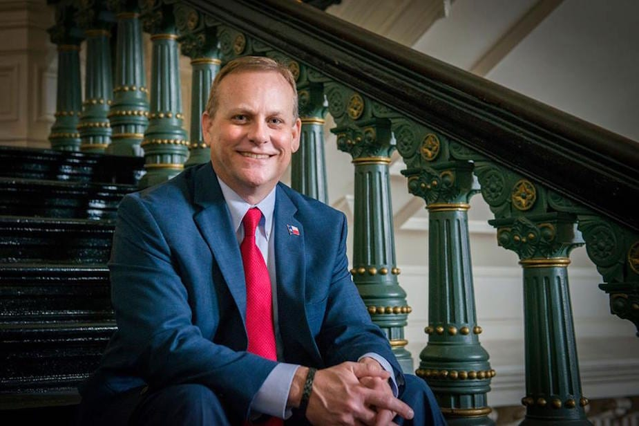 Republican candidate endorses Democrat rather than Dan Patrick