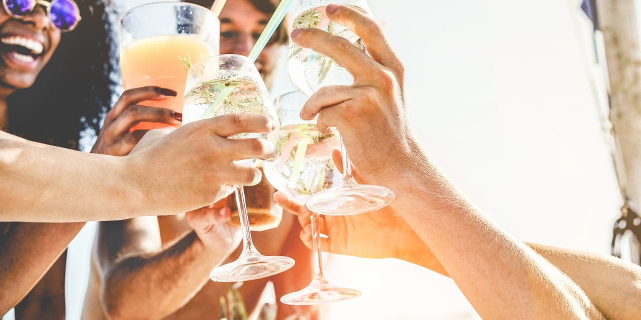 7 tips for throwing the perfect end-of-summer bash