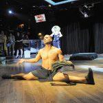 Round-Up---Dance-floor-splits