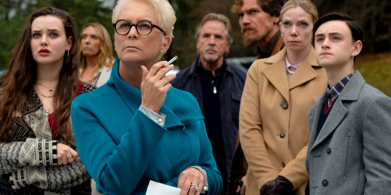 Jamie Lee Curtis pulls her 'Knives Out'