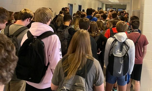 Student suspended for posting picture of crowded school hallways